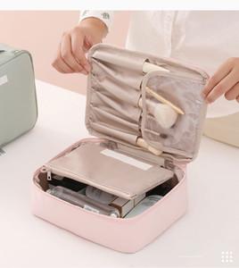 Travel Cosmetic Bag Beautician Make up Bag Quick Makeup Bag Purse Toiletry Bags Organizer Makeup Pouch Waterproof Handbag