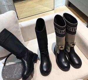 Kadınlar için son çizmeler 2020 elektronik nakış eşleşen renkli harfler logosu yuvarlak kafa orta çizme