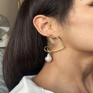 87Fzy E8287 개인 사랑 진주 진주 earringsearrings 및 earringsfashion 기질 차가운 바람 더블 레이어 합금 하트 샤 중공 아웃