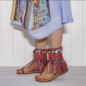 Oeak Богемия лето Женщины Сандал Этнический стиль кисточки дамы Ботильоны Сандал обуви Рим Thong Flat Sandals