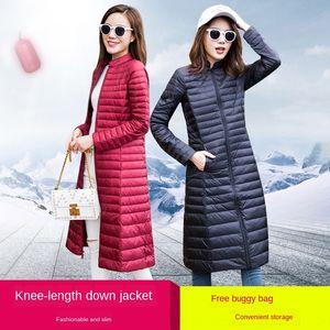 L'autunno e l'inverno del rivestimento nuovo verso il basso lungo al ginocchio colletto alla coreana sottile coreana anatra bianca delle donne del rivestimento sottile di grandi dimensioni verso il basso di modo del cappotto FrMz