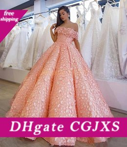Rosa Petali completi Prom Dresses sexy fuori dalla spalla Fluffy balze degli abiti di sera Arabia arabo Piano Lunghezza donne convenzionali del partito del vestito Vestidos