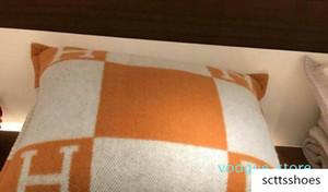 Almofada Letra decorativa de H para manual malha da manta Europa travesseiro com enchimento Sofá-cama Decoração 45 * 45 centímetros