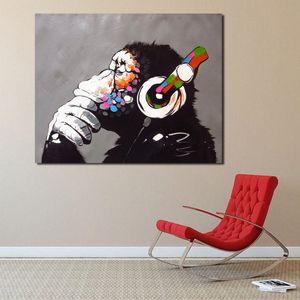Бэнкси DJ обезьяны Мыслитель с наушниками граффити холст плакаты печать стены искусства Живопись Декоративные изображение Украшение HD XvGX #