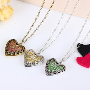 new Heart Shape Diffuser Locket Aromatherapy Diffuser Necklaces Essential Oils Diffuser women Sweater Necklace Locket Pendants T2C5275