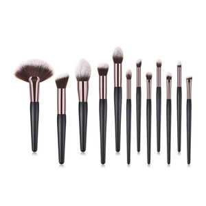 12pcs Wooden Professional Makeup Brush Set Large Fan Blusher Eyeshadow Powder Foundation Eyebrow Lip Makeup Brushes kit