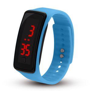 Hot Großhandel neue Art und Weise Sport LED Uhren Süßigkeit-Gelee Männer Frauen Silikon-Gummi-Screen-Digital-Uhren-Armband-Armbanduhr