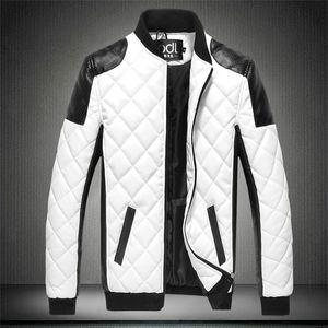 NUEVO Autumn Men's PU Chaquetas de algodón Negro Blanco Patchwork Chaqueta de cuero Moto Biker Locomotora Outerwear Masculino Casual Abrigo