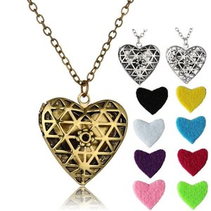 Heart Shape Diffuser Locket Aromatherapy Diffuser Necklaces Essential Oils Diffuser women Sweater Necklace Locket Pendant Necklaces T2C5275