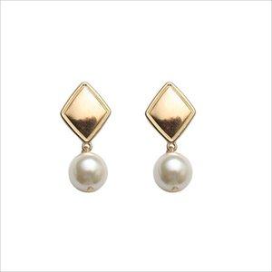 Hot Sale Geometric Personality Retro Women Earrings Night Club Party Ladies Stud S925 Fashion Pearl Eardrop for Girls