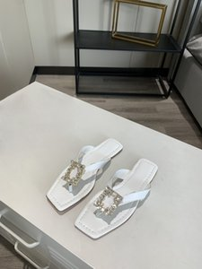 Roman sandals 2020 summer new female fairy wind diamond flat leather thong strap sandals casual shoes