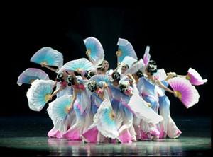 Neue klassische Tanzkleidung Bühnenaufführung Kleidung Regenschirm Tanzkostüme nationaler Fan Yangko Kleidung