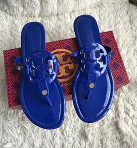 Bul Benzer 44 Erkekler Kadınlar Sandalet Tasarımcı Ayakkabı Yaz moda Geniş Düz Kaygan ile Kalın Sandalet Terlik Flip Flop ve boxzj Slide