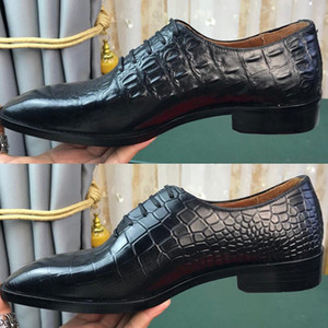2020 Nouveau Mode Hommes Designer Oxfords Chaussures avec Top poli italien vache Uppers For Business Party Mens Dress Shoes Expédition gratuite