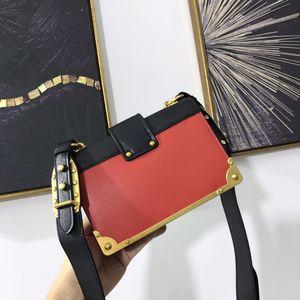 2020 kadın çantaları moda zincir çanta gelişmiş duyu dokuma yastık çanta küçük kare çanta taşınabilir omuz çantası kadın Üstüne binilir çantayı sığır derisi