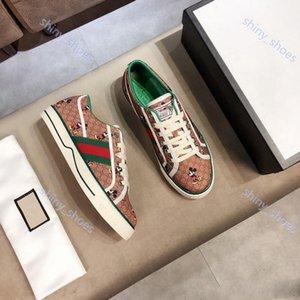 Gucci 2020up yeni Deri Flats Erkekler Ayakkabı Kadınlar Tasarımcılar Klasik Kaplan Python Günlük Ayakkabılar Arı çiçekler Çiçek İşlemeli Sneakers