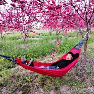 Outdoor Folding Stärkung Hammock Camping Freizeit Pause 190 * 130 CM kühler Seidenstoff im Freien beweglichen Schlafen Schaukel VT1434-Bett-hängenden