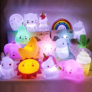 Dormitorio Noche de la historieta llevó la luz del sol Estrellas de la luna del unicornio nubes juguete luz del arco iris Regalo Tabla niños de la lámpara de decoración HHA1539