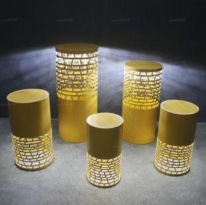 Canalizaciones verticales de hierro blanco LED Cilindro Plinto envío libre ligero redondo 5pcs Display Partido decoración de la boda de pedestal