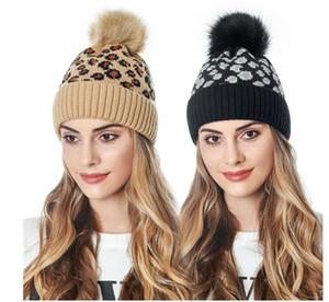 Ponpon Kış Şapka ile Yün Tığ kasketleri İçin Kadınlar Yeni Moda Bayan Leopard Örme Kış Kulak Isıtıcı Şapka Kadın Beanie Cap