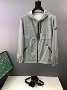 2020 di Prestigio Europa Logo Italia Milano triangolo riflettente metallo Zipper Mens grigio sfumato rivestimento delle donne della pelle del cappotto antivento cappotto incappucciato