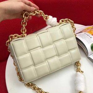 2020 neue Art-Art und Weise Crossbody-Tasche für Frauen mit Metallkettenriemen Gepolsterte Cassette Handtasche in Echtkalbsleder Lady Handtaschen