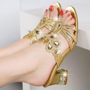 Yapay elmas kadın 20 yaz New ve sandaletler Coat sandalet kalın topuklu Moda elmas kaplı slippers bayan dış giyim my4j orta topuklu