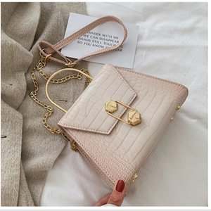 IQIfashion Shoulder Bags For Women 2020 Crocodile Pattern Leather Acrylic Strap Crossbody 4 colors Purses And Handbags flat shap solid bag