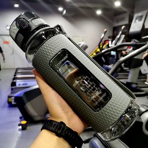 Garrafas UZSPACE Esporte de água portátil Gym anti-queda Leak-proof grande aptidão Capacidade Chaleira Tritan garrafa plástica bebida BPA