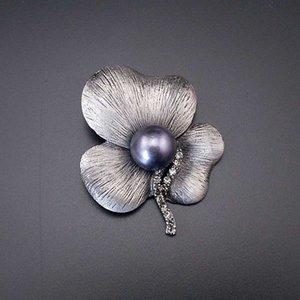 Mulher Moda de Nova Charming cinza pérola Antique Preto Flor Rhinestone Tom 3 folhas Tin Pin Broche 2020 Item NO .: BH7948
