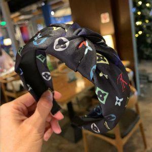 La restauration des moyens anciens vent lettre chaîne fleurette bowknot fait tous prendre bandeau antidérapage pour jouer le rôle de la coutume de l'article Corée du Sud