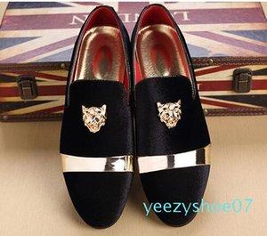 Оптовые золото Топ и металла Toe Мужчины бархатное платье обувь Итальянская мужская обувь платье ручной Мокасины Дизайнерские обувь y07