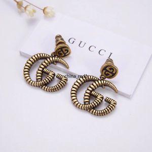 ITALIA joyería de las mujeres pendientes retro diseño de letras doble de cobre de las señoras superiores Elagant calidad aretes con la caja