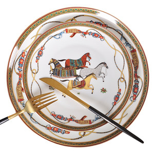 Ужин плит Роскошная Война Лошадь Кость Китай Посуда Установлен Королевский Праздник Фарфоровая Западная Тарелка Блюдо Дома Украшения Свадебные Подарки