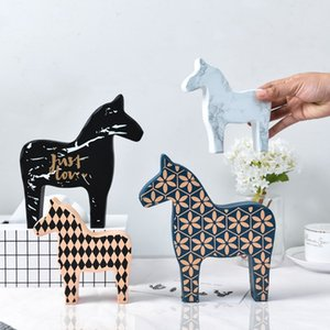 ERMAKOVA Wooden Dala Horse Figurine Table Decoration Centerpiece Ornament Home Decoration Craft Wedding Gift Home Art Furnishing
