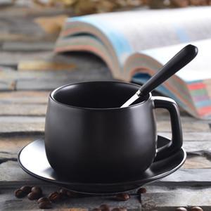 280ML + poterie cuillère en acier Coupe en céramique Femme mignon Milk Coffee Set Tasse européenne en céramique tasse à café Tasse de Noël