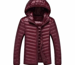 2018 New Autumn And Winter Men Hooded UltraLight Wihite Duck Down Coat Warm Jacket Line Portable Package Mens Pack Jackets55