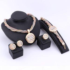 Dubaï en or 18 carats romantique plaqué argent Collier Cristal Boucles d'oreilles Bague Bracelet Ensembles de bijoux pour femmes Petite amie de soirée de mariage