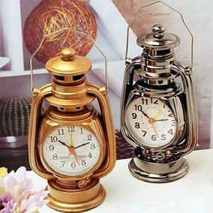 1pc Retro Clock Imitation Kérosène Lampe Modeling Réveil Snooze Fonction Sleep Timer Creative Desktop Décoration de la personnalité