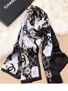 Capa de alta calidad Mujeres Doble gasa Diseño bufandas Nueva larga suave de la camelia impresión doble Mantón cuatro estaciones de la bufanda de seda Añadir Paperbag