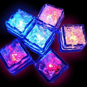 مضيئة مكعب LED آيس كيوب الاستشعار المياه تغيير مكعبات LED الاصطناعي آيس كيوب رومانسية الوهج الجليد فلاش حزب الخفيفة لوازم DHD1273