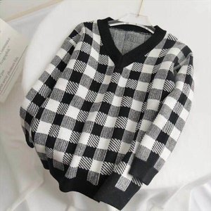 Fashion Week Women Sweater 2019 Fall Winter Women V neck White Black Plaid Loose Pullover Runway Sweater Knitted Ladies Jumper