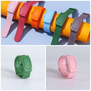 Las pulseras de silicona relojes de los cabritos de la personalidad pulseras desinfectante de manos 2020 DIY piezas colgantes exquisito contra del desgaste F2 6wh creativo