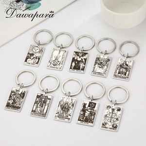 Dawapara Major Arcana Pendant Keyring First Set of Cards in the Tarot Vintage Key Chain Stainless Steel Jewelry Golden