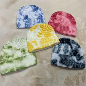2020 Tie Dye Beanie Slouch Caps Diseñadores cráneo sombreros de punto acanalado otoño invierno casquillos calientes Deportes Hip Hop D82811 del capo del sombrero Headwear