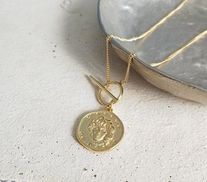 925 Sterling Silver Ms Portrait Necklace Gold Round Coin Wild Figure Necklace Silver-sweater Chain For Women Jewelry Charms44