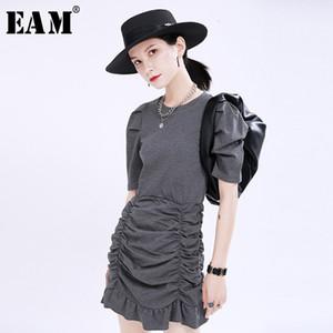 [EAM] Kadınlar Grey Pileli Ruffles Mizaç Elbise Yeni Yuvarlak Yaka Kısa Puff Kol Gevşek Fit Moda İlkbahar Yaz 2020 1U168