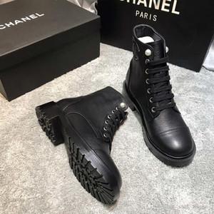 2020 neue Art und Weise Luxus Damen stilvolle kurze Stiefel bequeme Leder Frauen kurze Stiefel Farbe Motorrad Martin Stiefel Größe 35-41 CH