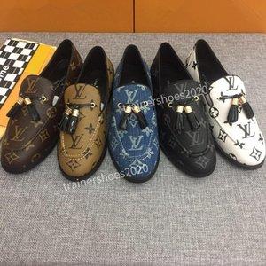 2020 SS18 Knit Chaussures Casual Hommes Femmes Sheepskin Arena à lacets Chaussures de sport confortable et élégant dx200704 polyvalent plat Formateurs