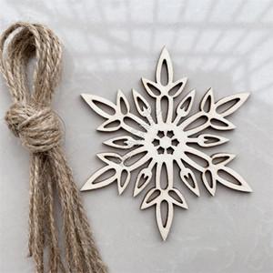 Forma regalos de Chirstmas encanto pendiente de madera del copo de nieve bolsa creativa perforado de copo de nieve de Navidad puerta de la pared decoración del festival 10pcs / set Venta D83106